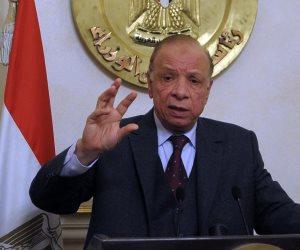 محافظ القاهرة يسلم 12 دراجة بخارية لذوي الإعاقة