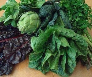 الخضروات الورقية تساعد على ضخ الدم في الجسم.. أهمها السبانخ والبقدونس