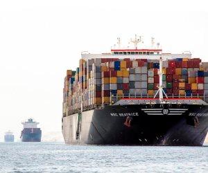 ثاني أكبر  سفينة حاويات تعبر قناة السويس اليوم