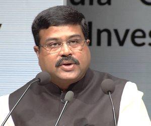 وزير النفط الهندي: خفض إنتاج أوبك يدفع المشترين للتحول إلى موردين جدد