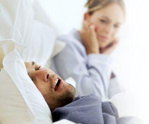 الأرق وفقدان التركيز والإرهاق.. أمراض ستصابين بها بسبب شخير زوجك