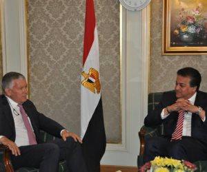 وزير التعليم العالي والبحث العلمي يستقبل السفير الفرنسي بالقاهرة