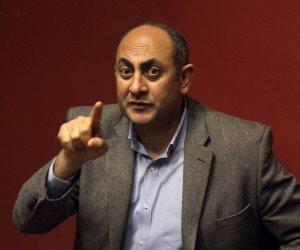 خالد علي في نيابة الدقي لاستكمال التحقيق معه