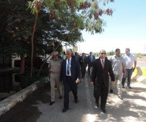 مساعد وزير الداخلية لجنوب الصعيد يتفقد بعض الجهات الشرطية بأسوان