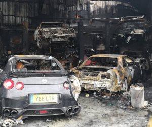 حريق يحول مجموعة من السيارات عالية الأداء إلى هياكل