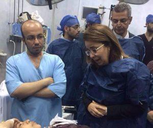 غادة والي تزور مصابي حادث المنيا الإرهابي (صور)