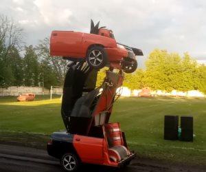 «أوبتيموس برايم» سيارة تتحول لروبوت آلي (فيديو)