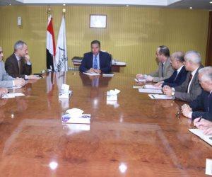 وزير النقل يتابع خطة تطوير الخطين الأول والثاني لمترو الأنفاق