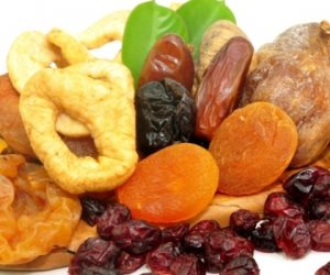 فوائد هائلة لفاكهة رمضان المجففة منهم الزبيب والقراصيا