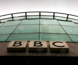 «بي بي سي» تسقط في الوحل مجددا.. القناة البريطانية تنتج تقارير لضرب مصر وتفتح شاشاتها لقيادات الإخوان