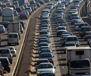 توقف حركة المرور أعلى كوبري أكتوبر. والسبب 3 سيارات