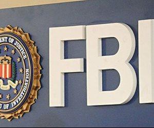 """""""FBI"""" يداهم مكتب محامى ترامب الشخصى مايكل كوهن ويصادر وثائق منه"""