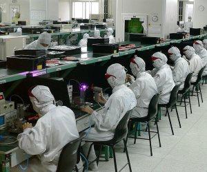 بعد إطلاق «سيكو» لأول تابلت مصري.. الصعيد يقود ثورة صناعة الالكترونيات المصرية (فيديو)
