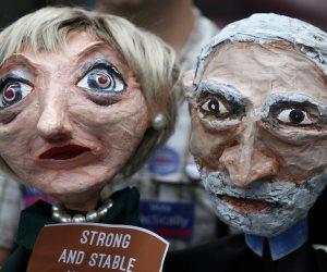 بريطانيون يحتجون ضد BBC لعدم بث أغنية تتهم رئيسة الوزراء بـ «الكذب» (صور)