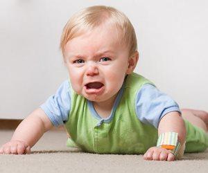 مساج الأطفال يساعد على ارتباطهم بالوالدين ويمنحهم الاسترخاء.. احرصى عليه