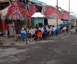 فيها حاجة حلوة.. قبطي يقيم مائدة إفطار رمضان (صور)