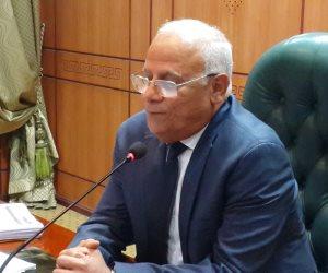 محافظ بورسعيد يجتمع بالمرشحين في انتخابات المصري