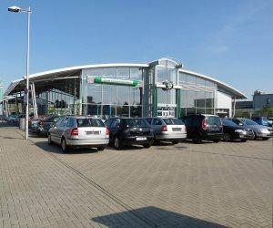 توقعات بزيادة مبيعات السيارات التقليدية بنسبة 25% عام 2025