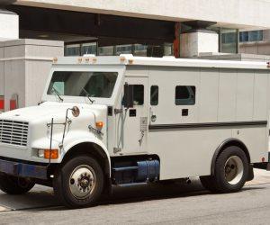 حيثيات الحكم على 9 متهمين بالسجن 10 سنوات لسرقة سيارة نقل أموال البنك الأهلي