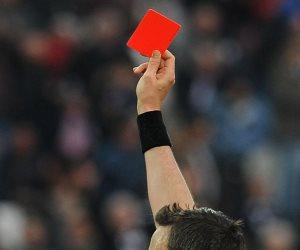أطرف 10 بطاقات حمراء فى كرة القدم.. لقطات مضحكة (فيديو)