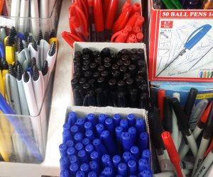 بالورقة والقلم.. أسعار الأدوات المكتبية في الفجالة