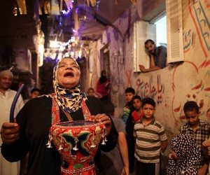دلال كسرت تابوهات المجتمع وعملت مكوجية فى الصباح ومسحراتية فى ليالى رمضان