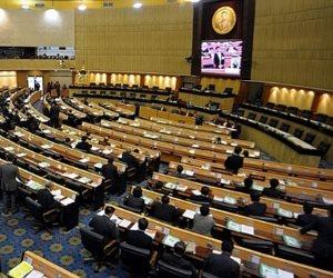 برلمان تايلاند يقر قانونا قد يضمن دورا للجيش فى السياسة لفترة طويلة