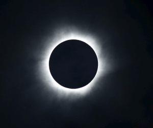 العالم يشهد كسوفا للشمس 21 أغسطس الجاري