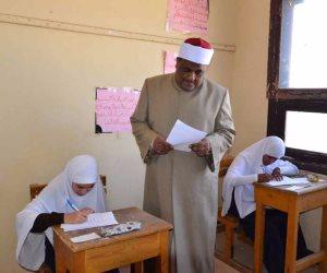 طلاب الثانوية الازهرية يؤدون امتحانات الدور الثانى.. اليوم