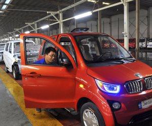 الصين تتشدد مع شركات السيارات الكهربية المحلية
