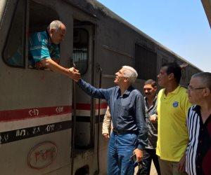 رئيس هيئة السكة الحديد يتابع انتظام حركة سير القطارات بمحطة مصر