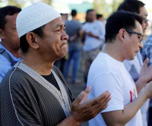 شاهد.. مسلمو العالم يؤدون صلاة عيد الفطر المبارك (صور)