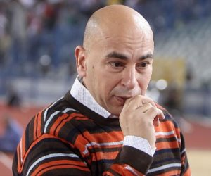 إيقاف مباراة لحسام حسن بسبب الاعتراض على حكم لقاء الإسماعيلي