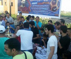محمد صلاح يختتم احتفالات العيد في قريته بتوزيع جوائز الدورة الرمضانية (صور)