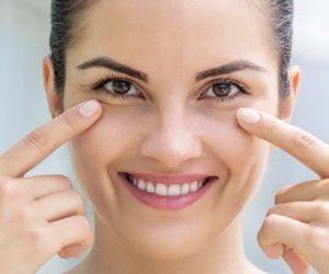 تخلصي من الإنتفاخ حول العينين ب 4 حيل بسيطة