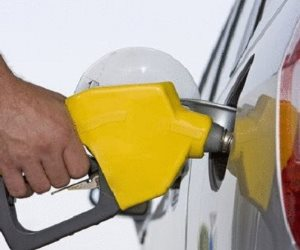ارتفاع الطلب الأمريكي على البنزين في أبريل للمرة الأولى هذا العام