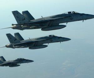 التحالف العربي يشن غارات على مطار صنعاء الدولي وقاعدة الديلمي الجوية باليمن