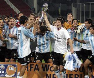 حلم غاب 32 عاما.. هل يستعيد ميسي رونقه مع الأرجنتين في المونديال؟ (صور وفيديو)