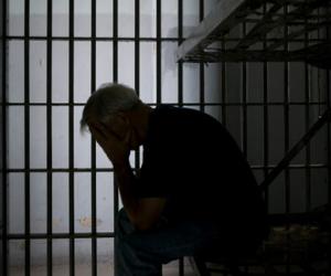السجن المشدد 15 عاما لمتهم في حرق قسم حلوان