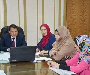 سكرتير محافظة سوهاج يعقد اجتماعا لإعادة تأهيل المنازل القديمة
