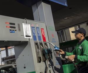 واردات مصر 400 مليون برميل.. الدولة تتحمل 53% من فاتورة الوقود بعد تحريك الأسعار