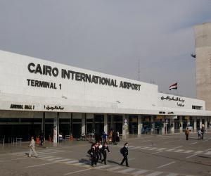 سوء الأحوال الجوية وأعمال الصيانية يؤخران إقلاع 5 رحلات دولية بمطار القاهرة