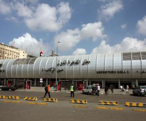 ضبط برازيلية في مطار القاهرة حاولت إدخال 89 أمبول كوكايين