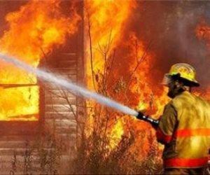 السيطرة على حريق داخل محل أدوات بلاستيكية في الوراق