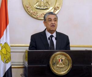 """محمد شاكر يبرأ ذمة الحكومة في مشاكل """"كهرباء المصانع"""" أمام البرلمان"""