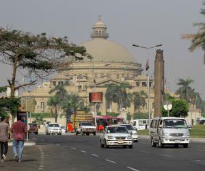 عميد صيدلة القاهرة: تغيير اللوائح بشكل دائم لمواكبة التطور