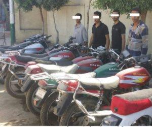 التحقيق فى ضبط 53 دراجة بخارية بدون لوحات و990 مخالفة مرورية بقنا