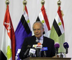 وزير التنمية المحلية يكرم 15 من رؤساء القرى والمدن بالقاهرة الكبرى