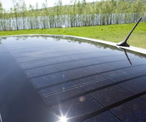 باناسونيك تنتج ألواحًا شمسية لأسقف السيارات
