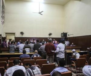رفع محاكمة مرسي و 27 آخرين باقتحام السجون للمداولة